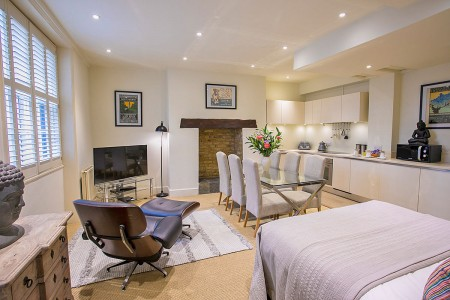 quad studio in Princes Square Apartments, Bayswater, London