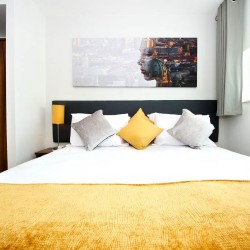 short let serviced apartments, heathrow airport, london ub3