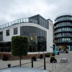 short let corporate accommodation, brentford, london tw8