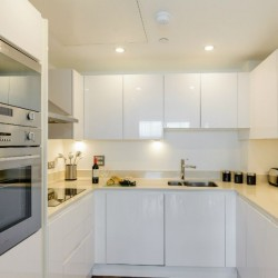 short let, serviced apartments, canary wharf, london