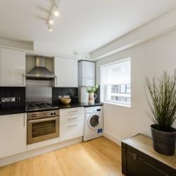 kitchen in wentworth apartments, aldgate, london