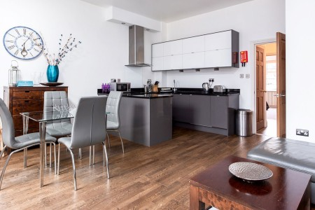 kitchen and dining area, Elystan Serviced Apartments, Chelsea, London SW3