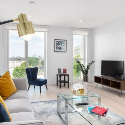 short let serviced accommodation, elephant and castle, westminter, london se17