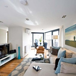 1 bedroom penthouse living area in City Lovat Apartments, City, London