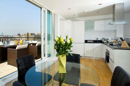 serviced apartments in farringdon, london