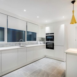 deluxe 3 bedroom apartment, kitchen for self-catering, Green Park Apartments, Mayfair, London SW1
