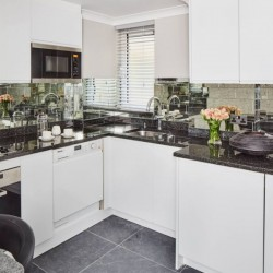 superior 3 bedroom apartment, kitchen, Green Park Apartments, Mayfair, London SW1