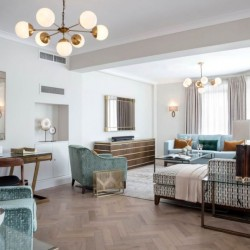 superior 3 bedroom apartment, living room, Green Park Apartments, Mayfair, London SW1