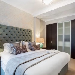 superior 2 bedroom apartment, bedroom with king size bed, Green Park Apartments, Mayfair, London SW1