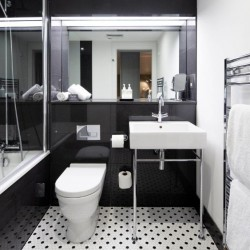 bathroom, Old Town Apartments, Edinburgh EH1, Scotland