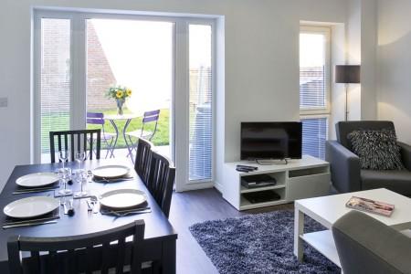 living room and garden, 4 bedroom Townhouses, Milton Keynes, MK9